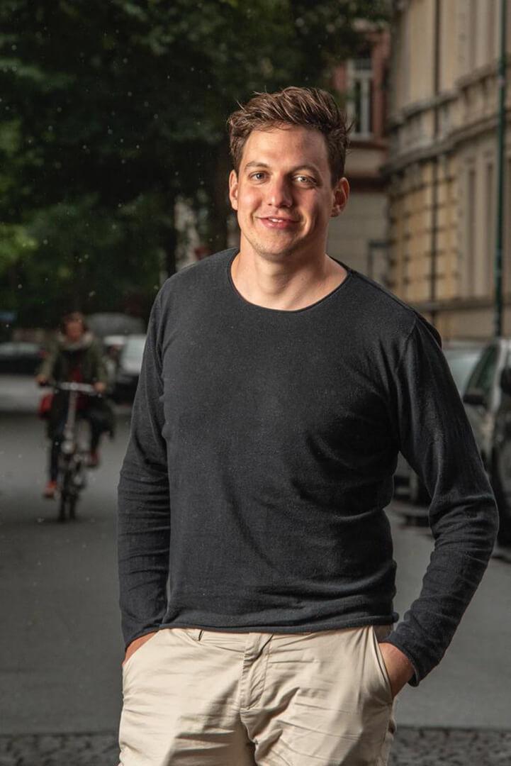Oliver Lott